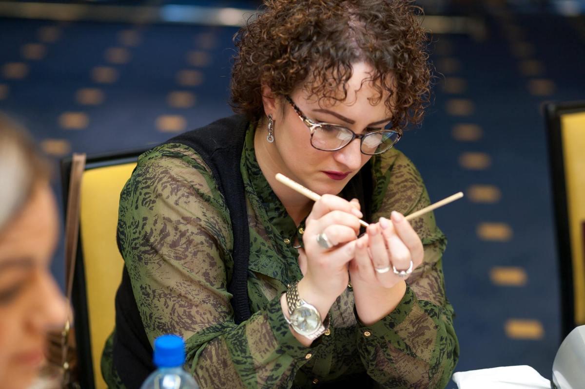 Intervju sa Dženitom Curić: sve što trebate znati o nadogradnji i gel noktima